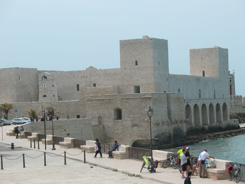 Castles And Wines 8 Days Cycling Tour - Cycling In Puglia